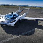 空飛ぶ車どんどん進化していますよね